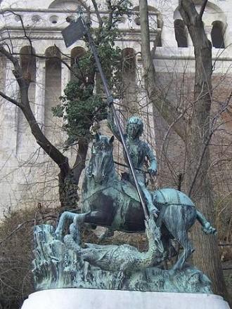 Szent György-szobor