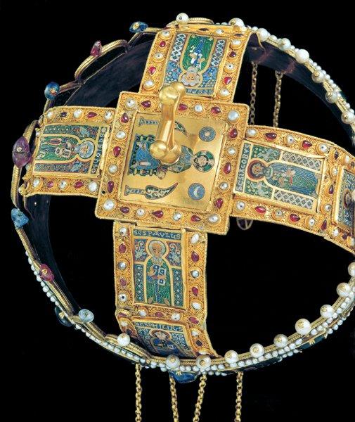 Magyar Szent Korona felülről